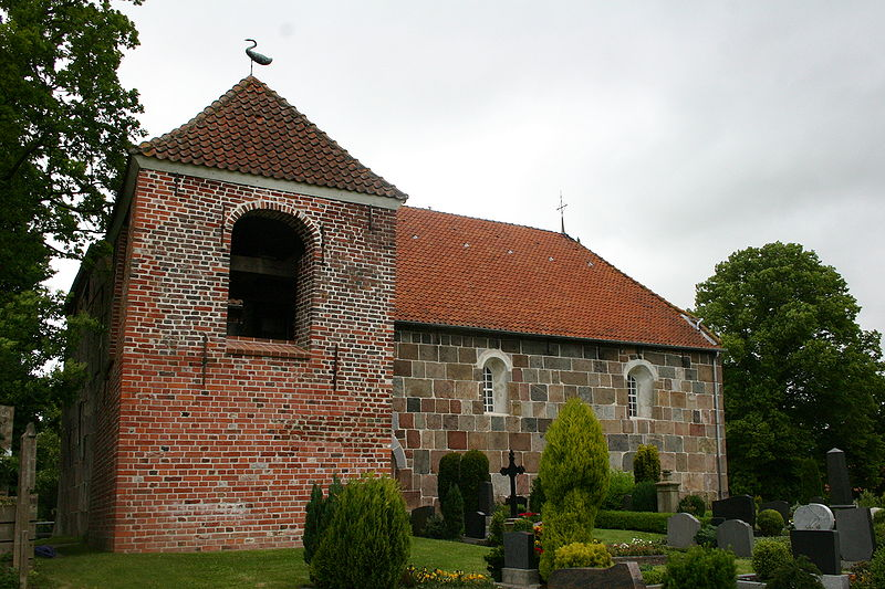 Kirche Asel. Foto: Frisia Orientalis. http://commons.wikimedia.org/wiki/File:800px-ChurchAsel